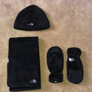 North Face hat, scarf & mitten set